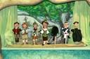 Es gibt sogar ein kleines Marionettentheater