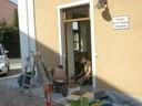 Auch wurden drei neue Eingangstüren eingesetzt