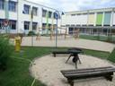 Ein Blick über den gesamten Schulinnenhof